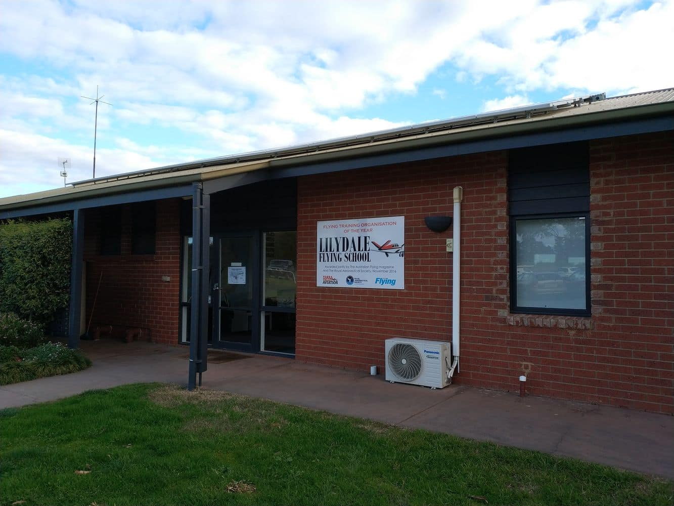 Lilydale airport 10